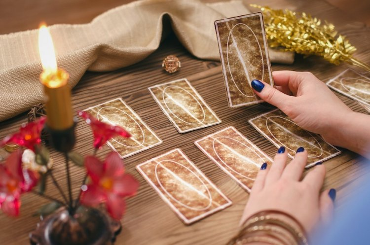 How Tarot Card Reading Works?