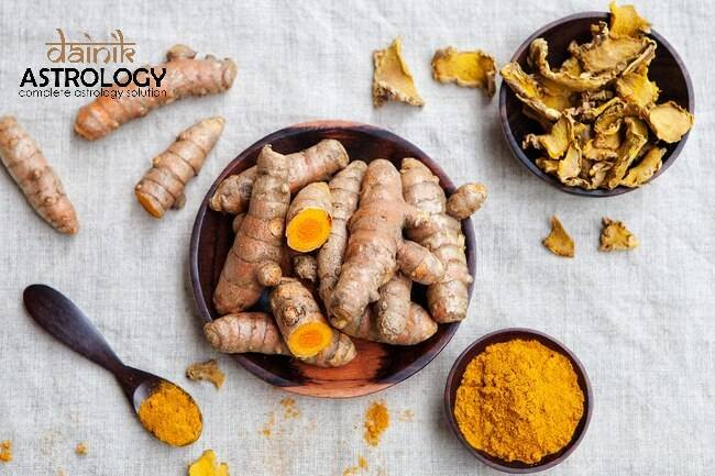 Health Benefits of Turmeric: How it is helpful to deal with skin & health problems?