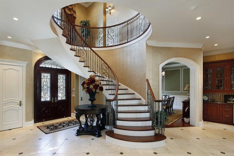 घर की सीढ़ियों का वास्तु दोष मिटाने के लिए असरदार वास्तु टिप्स