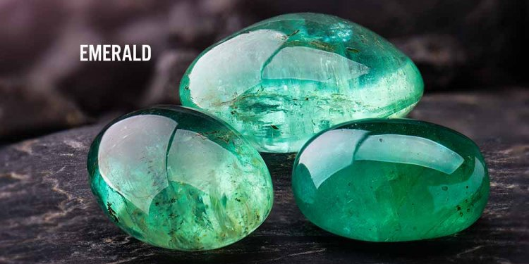 Who Should Wear the Emerald Gemstone and Who Does Not?