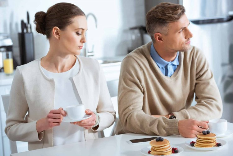 5 Signs shows your Marriage Life in Danger