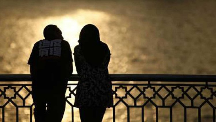 What makes couples start facing problems in Relationship?